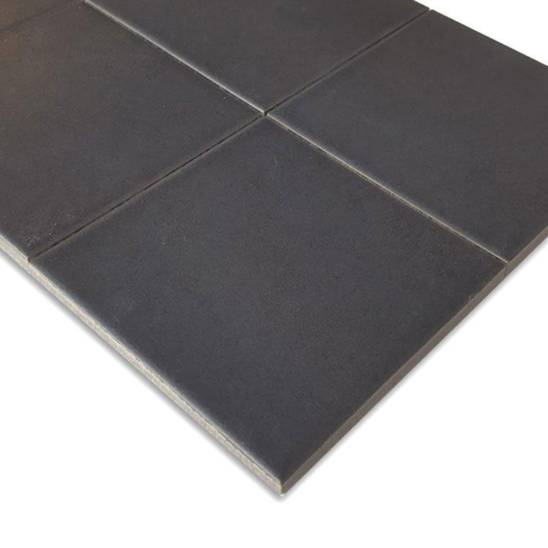 Fanovo 10x10 Musta lattialaatta